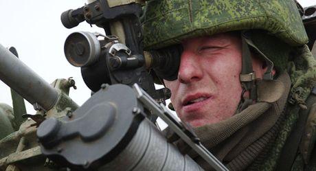 Putin lenh tang toc trang bi cac loai sieu vu khi cho quan doi - Anh 1