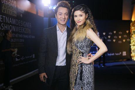 Jolie Nguyen xe khoet toi hong, do sac cung dan my nhan Viet - Anh 10