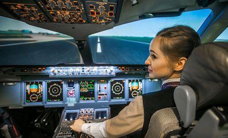 Nguong mo nu phi cong 23 tuoi voi hon 300 gio bay cua Aeroflot - Anh 2