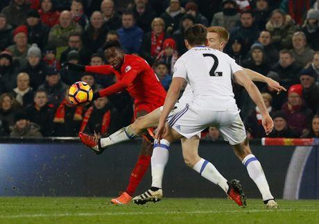 Coutinho len cang, Origi dem ngoi dau ve cho Liverpool - Anh 11