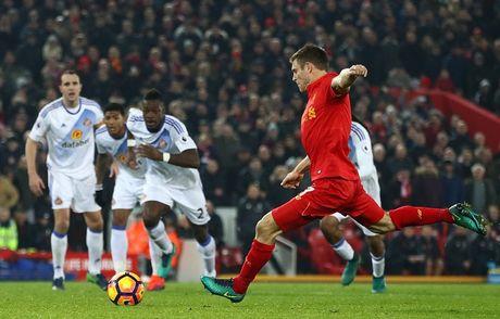 Coutinho len cang, Origi dem ngoi dau ve cho Liverpool - Anh 15