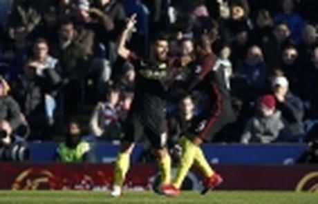 Coutinho len cang, Origi dem ngoi dau ve cho Liverpool - Anh 20