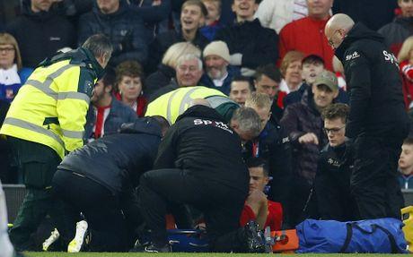 Coutinho len cang, Origi dem ngoi dau ve cho Liverpool - Anh 6