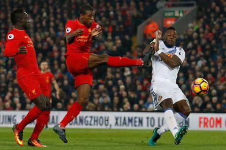 Coutinho len cang, Origi dem ngoi dau ve cho Liverpool - Anh 8