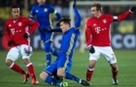 Hummels toa sang dua Hum xam vuot ai Leverkusen - Anh 11