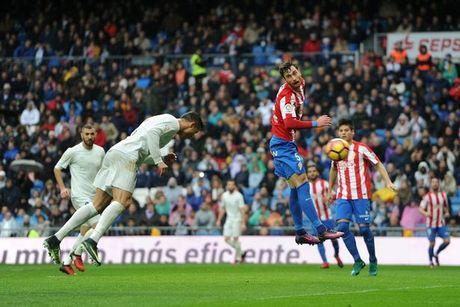 5 diem nhan Real Madrid 2-1 Sporting Gijon: Ronaldo vuot Messi, Suarez - Anh 4