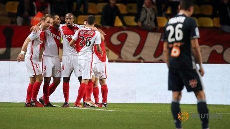 Vong 14 Ligue 1: Huy diet Marseille, Monaco tuyen chien voi Nice - Anh 1