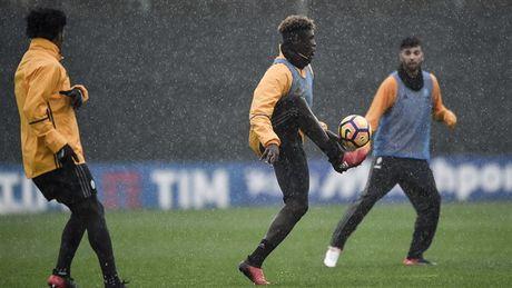 Doc ba tai Serie A, Juventus van phai doi mua luyen tap - Anh 10