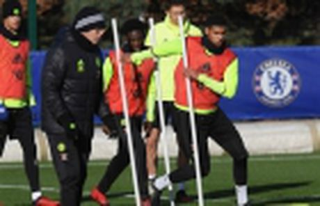 Doc ba tai Serie A, Juventus van phai doi mua luyen tap - Anh 13