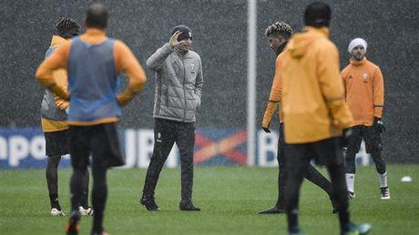 Doc ba tai Serie A, Juventus van phai doi mua luyen tap - Anh 4