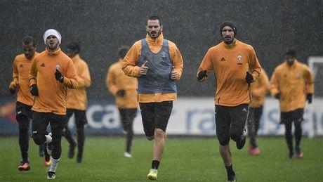 Doc ba tai Serie A, Juventus van phai doi mua luyen tap - Anh 6