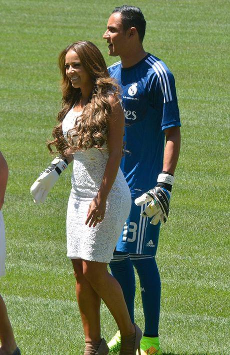 Ngam nhan sac WAGs day tai nang cua sao Real Madrid - Anh 5