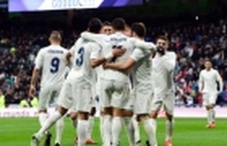Zinedine Zidane: Thiet dau cong va han bang chan khi - Anh 3