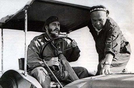 Anh hiem: Lanh tu Cuba Fidel Castro tham Lien Xo 1963 - Anh 15