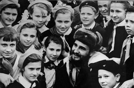 Anh hiem: Lanh tu Cuba Fidel Castro tham Lien Xo 1963 - Anh 2
