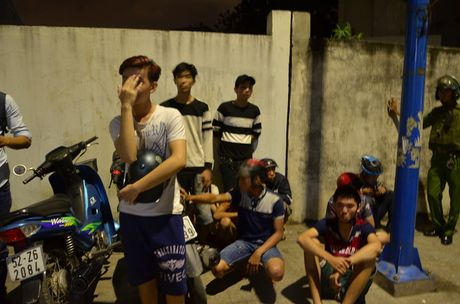 Chan dung 'bao dem' sau chien thang cua Doi tuyen Viet Nam - Anh 7