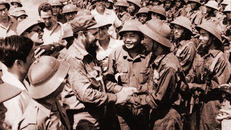 Fidel Castro mai trong trai tim nhan dan Viet Nam - Anh 1