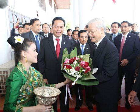 Tong Bi thu Nguyen Phu Trong tham tinh Bolikhamxay, CHDCND Lao - Anh 1