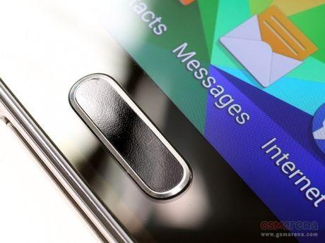 Samsung 'rao riet' tim kiem nha cung cap cam bien van tay moi - Anh 1