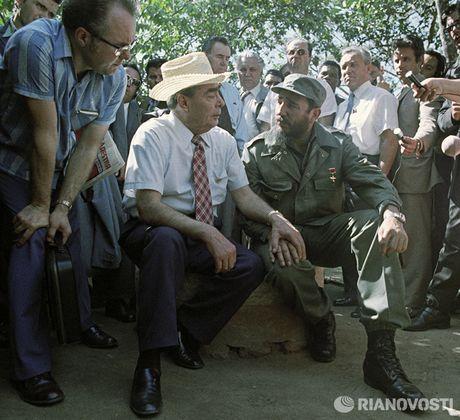 Nhung buc anh 'huyen thoai' trong cuoc doi hoat dong cua Lanh tu Fidel Castro - Anh 11