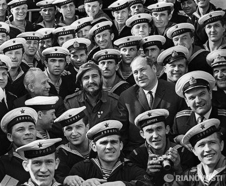 Nhung buc anh 'huyen thoai' trong cuoc doi hoat dong cua Lanh tu Fidel Castro - Anh 12