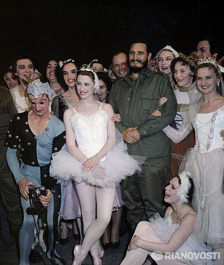 Nhung buc anh 'huyen thoai' trong cuoc doi hoat dong cua Lanh tu Fidel Castro - Anh 2