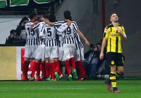 Frankfurt - Dortmund: Dang hung phan bong xit - Anh 1