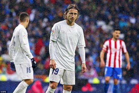 Real thang nhoc & ki luc: Da the se thua El Clasico - Anh 2