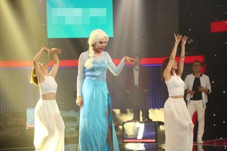 'Giong ai giong ai': Tran Thanh cui dau ta toi truoc giong ca cua 'Elsa' - Anh 4