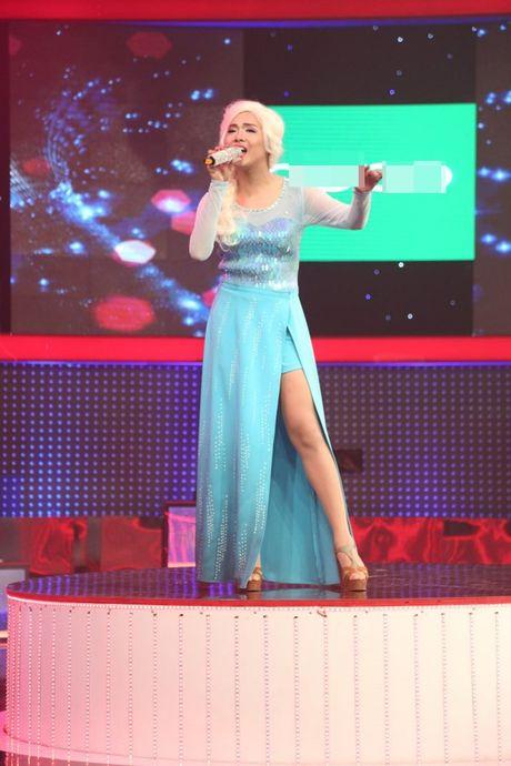 'Giong ai giong ai': Tran Thanh cui dau ta toi truoc giong ca cua 'Elsa' - Anh 5