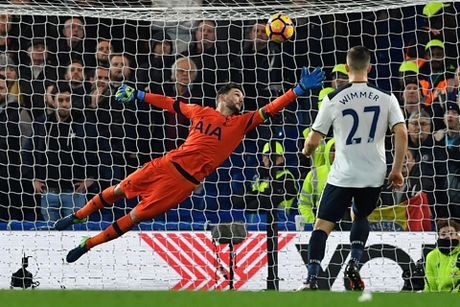 Nguoc dong danh bai Tottenham, Chelsea doi lai ngoi dau tu Liverpool - Anh 4