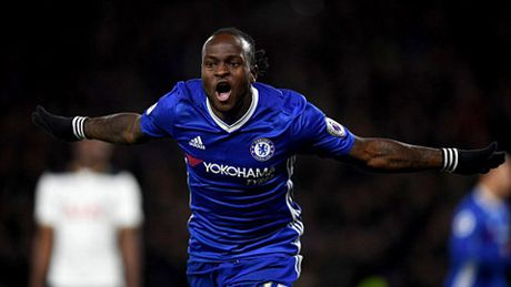 Nguoc dong danh bai Tottenham, Chelsea doi lai ngoi dau tu Liverpool - Anh 6