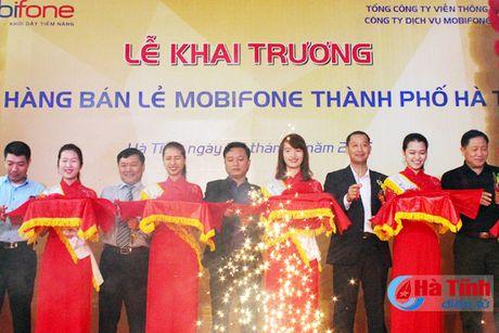 MobiFone Ha Tinh khai truong cua hang ban le tai 16 - Tran Phu - Anh 1