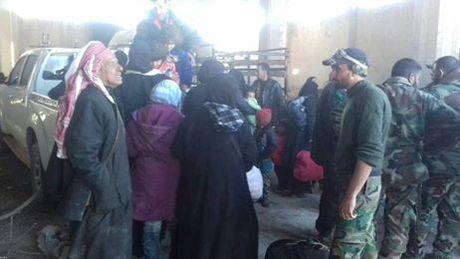 Quan doi Syria chiem quan then chot, siet chat vong vay dong Aleppo - Anh 3