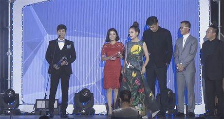 Ba xa Ly Hai boi roi noi tieng Anh kem luu loat khi len nhan giai WebTVAsia Awards - Anh 2