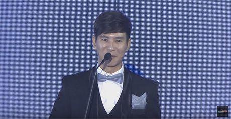 Ba xa Ly Hai boi roi noi tieng Anh kem luu loat khi len nhan giai WebTVAsia Awards - Anh 3