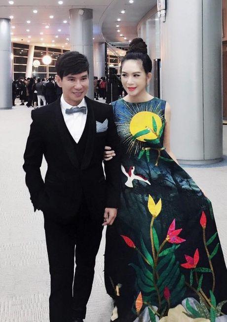 Ba xa Ly Hai boi roi noi tieng Anh kem luu loat khi len nhan giai WebTVAsia Awards - Anh 7