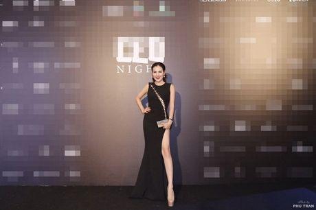 Dien do all-black quy phai ma khong he 'du' nhu A hau Phuong Le - Anh 6