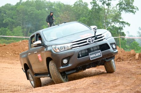 Vuot dia hinh Dong Mo cung Toyota Hilux 2016 - Anh 14
