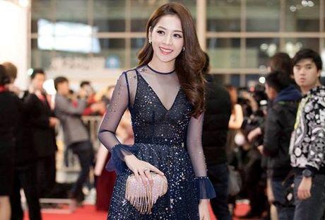Chi Pu doat giai 'Guong mat phim mang' tai le trao giai WebTV Asia 2016 - Anh 1