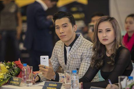 Khanh Ngan mac xuyen thau, e ap ben sieu mau Ngoc Tinh - Anh 7