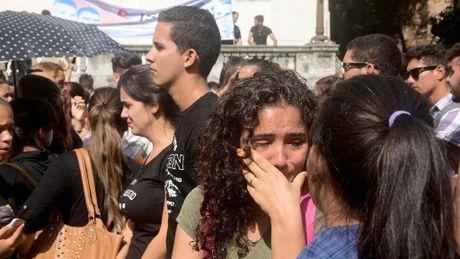 Nguoi dan Cuba: Ong Fidel mang den cuoc cach mang, mang den tinh nguoi - Anh 1