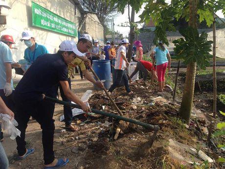 Cong nhan dong hanh phong, chong dich Zika - Anh 2