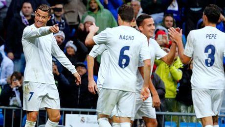 Vong 13 La Liga 2016-17: Cu dup cua Ronaldo giup Real gianh tron 3 diem - Anh 1