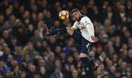 Nguoc dong ha Tottenham, Chelsea tro lai ngoi dau bang - Anh 11