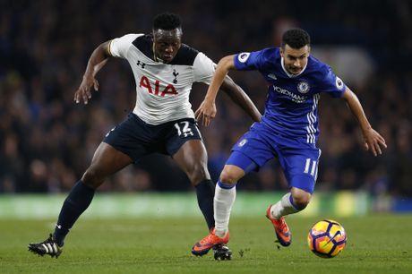 Nguoc dong ha Tottenham, Chelsea tro lai ngoi dau bang - Anh 6