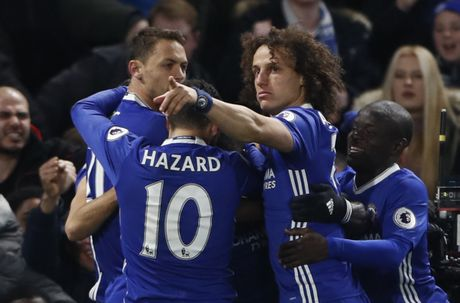 Nguoc dong ha Tottenham, Chelsea tro lai ngoi dau bang - Anh 9