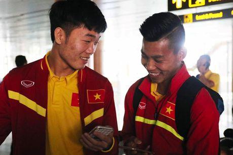 Tuyen Viet Nam chia 2 nhom bay ve TP.HCM - Anh 1