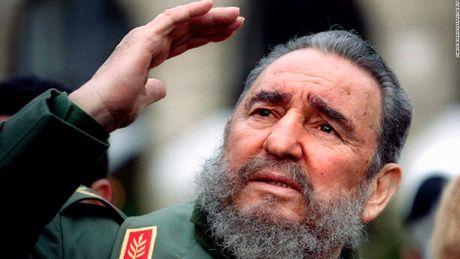 Chu tich Quoc hoi du le tang lanh tu Fidel Castro - Anh 1