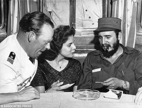 CIA tung thuc hien hon 600 am muu am sat cuu Chu tich Fidel Castro - Anh 1